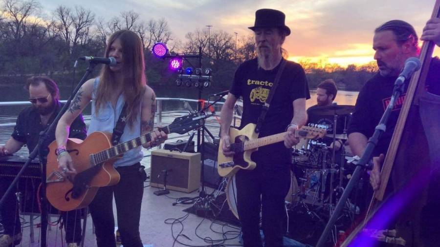 Sarah Shook and the Disarmers SXSW