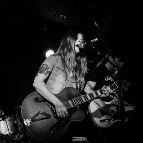 Sarah Shook and the Disarmers Live Photo by Anthony Nguyen