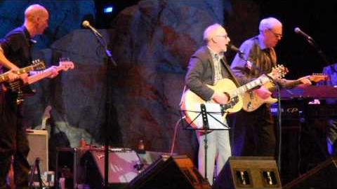 "Graham Parker and The Rumour ""Old Soul"" 12-09-12 Uncasville CT"