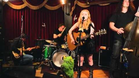 "Lydia Loveless ""Can't Change Me"""