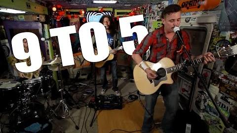 "THE YAWPERS - ""9 to 5"" (Live at JITV HQ in Los Angeles, CA) #JAMINTHEVAN"