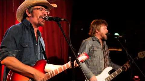 """The Bottle Rockets perform """"The Long Way"""" on The Chevy Music Showcase"""
