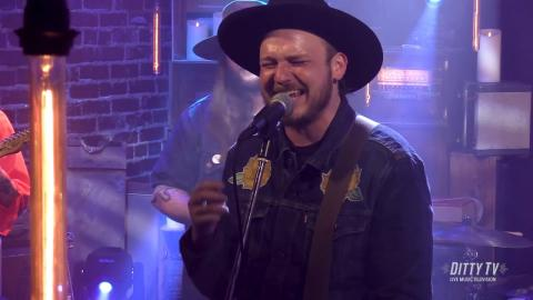 """Vandoliers perform """"Shoshone Rose"""" on DittyTV"""